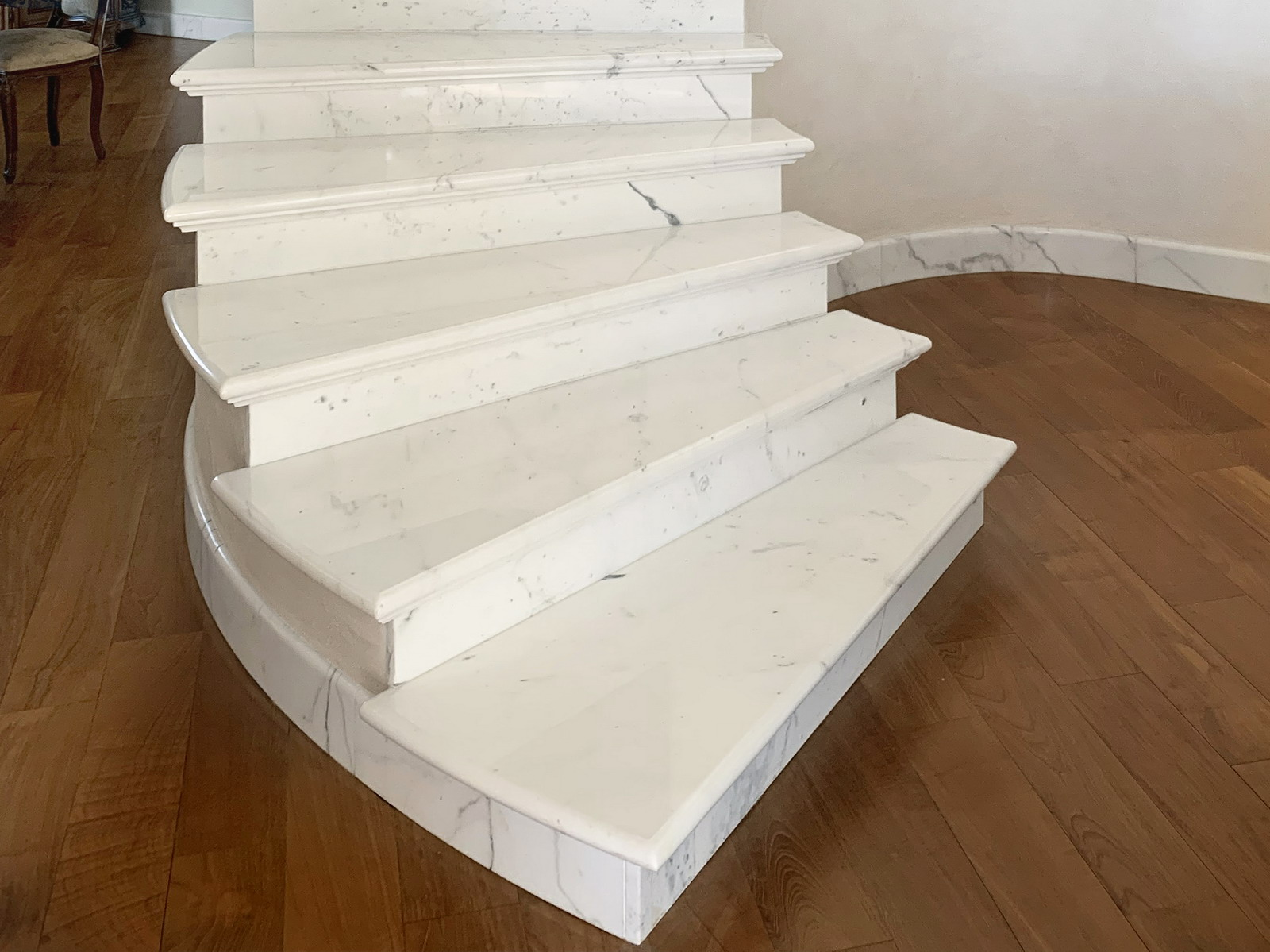 MEDONE MARMI Scala e Balaustra in Marmo Bianco Carrara - 4