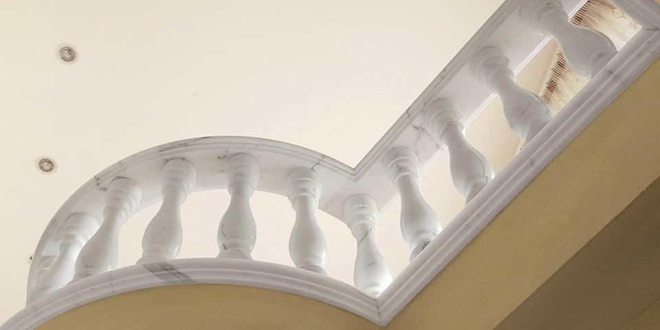 Scala-in-Marmo-Bianco